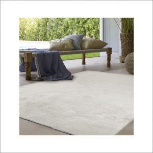 Angela Pinheiro Carpete Bege (1)